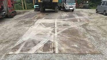 中古建機の洗車場