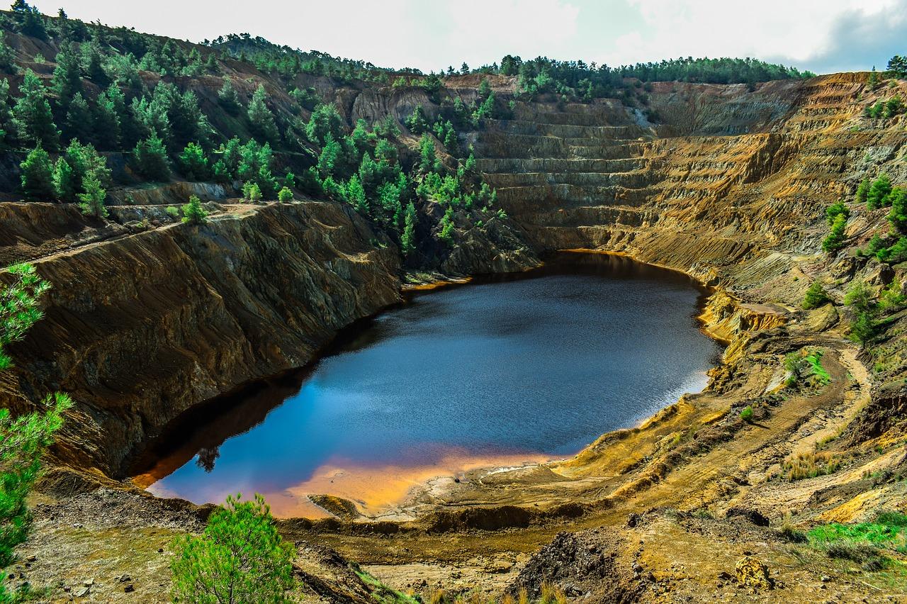 acid-lake-3817615_1280